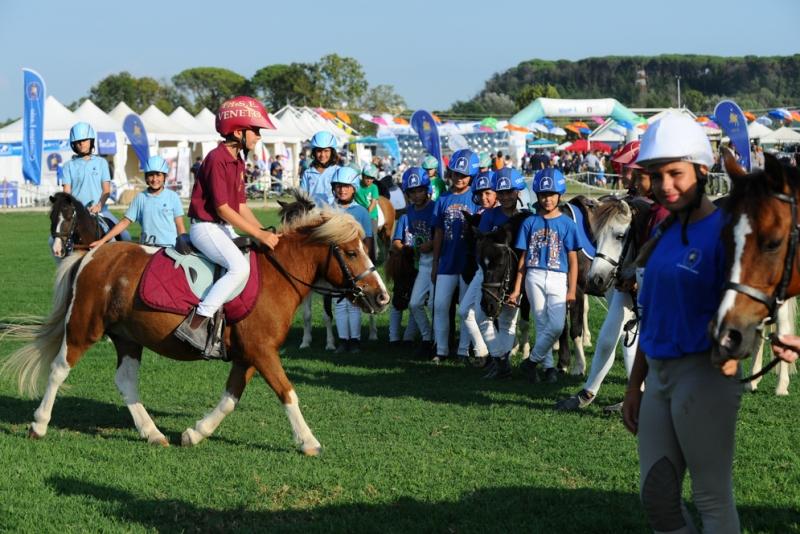 Ponyadi Chiusura
