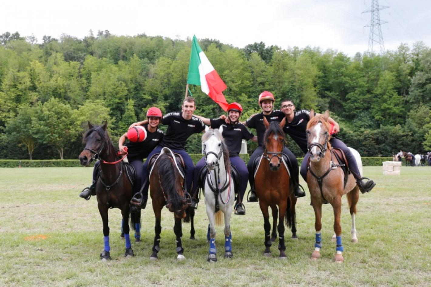 images/lombardia/News/Endurance/medium/medium/Squadra_OPEN.jpg